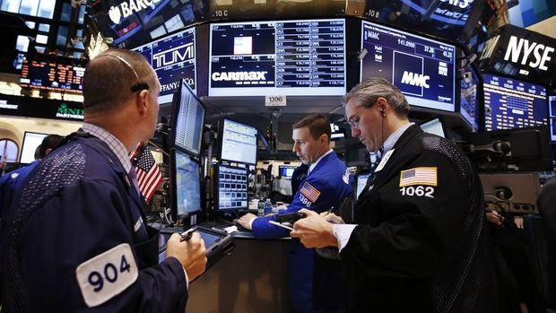Küresel piyasalarda hisse senetleri yükseldi, dolar geriledi