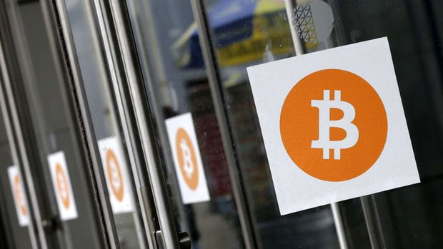 Bitcoin 28 bin dolarlık rekorun ardından aylık kazancına ...