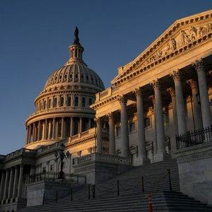 ABD TEMSİLCİLER MECLİSİ KOVİD-19 NAKİT DESTEĞİNİN 2 BİN DOLARA ÇIKARILMASINI ONAYLADI