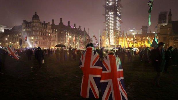 İngiltere resmen AB ortak pazarından çıktı