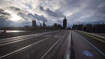 İngiltere daha sıkı seyahat kısıtlamaları ile karşı karşıya