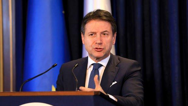 İtalya Başbakanı Conte'den ilaç firmalarına tepki