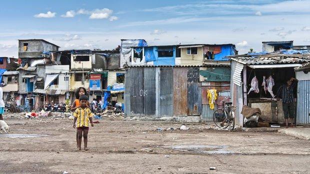 Yoksulların gelirinin salgın öncesi seviyelere dönmesi 10 yıl sürebilir