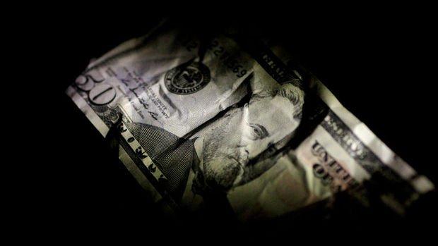 TL dolar karşısında gücünü koruyor