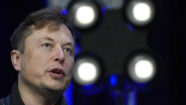 Elon Musk Twitter'a mola verdi