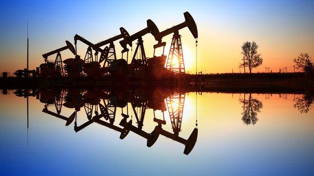 Petrol ABD'de normalleşen havalarla birlikte geriledi