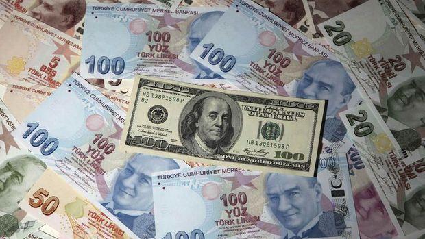 Türk Lirası artan tahvil faizleriyle düştü