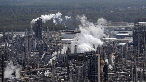 Karbon emisyonları tarihi düşüşten sonra yeniden yükselişe geçti