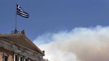 Yunanistan'da ekonomi yüzde 8,2 küçüldü