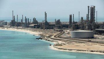 Dünyanın en büyük petrol terminaline saldırı