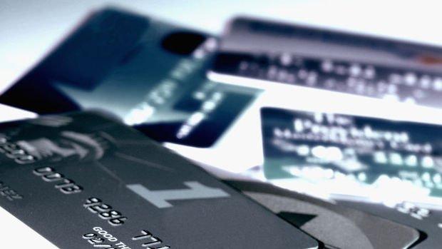 Bireysel kredi kartı ve kredi borcundan takibe alınanların sayısı azaldı