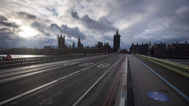 CEBR: Kovid-19 kısıtlamalarının İngiltere'ye maliyeti 251 milyar sterlin