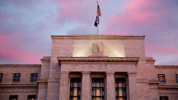 Fed bankalara yönelik kısıtlamaları kaldırıyor