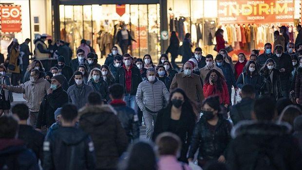 Türkiye'de son 24 saatte 30 bin 21 kişinin testi pozitif çıktı