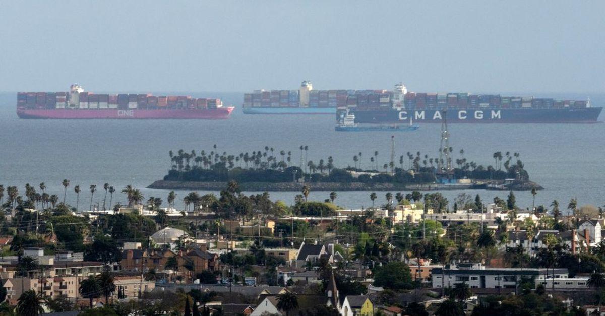 Süveyş krizi bitiyor, şimdi dikkatler Los Angeles'ta