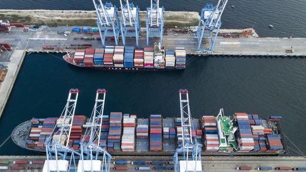Dış ticaret açığı Şubat'ta 3.3 milyar dolar oldu