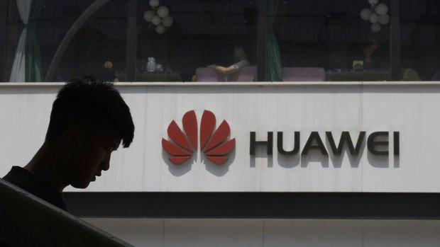 Huawei'nin çeyreklik satışları ABD yaptırımlarından sonra ilk kez düştü