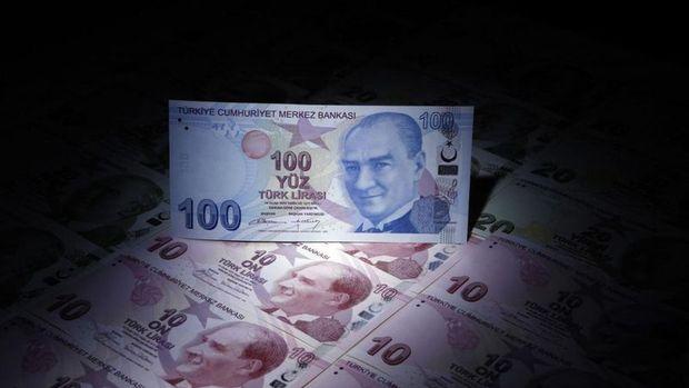 Zayıflayan dolar ile Türk Lirası artıya geçti