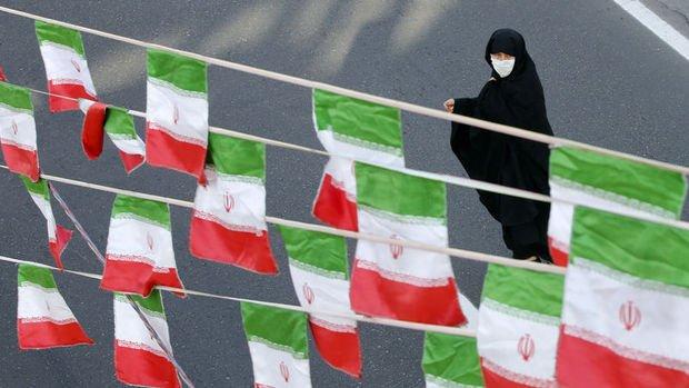 İran yaptırımların kademeli olarak kaldırılmasını kabul etmiyor