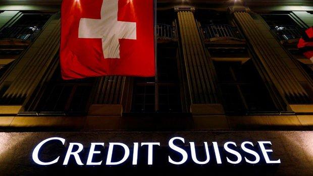 Credit Suisse yoğurdu üfleyerek yiyecek