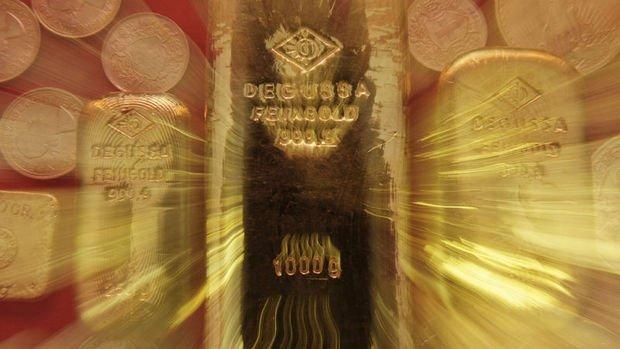 Altın yatırımcıları tahvil ihalesine odaklandı