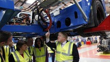 Aşılamaya hız veren İngiltere'de ekonomi Şubat'ta toparladı