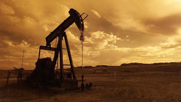 Petrol stok baskısıyla düştü