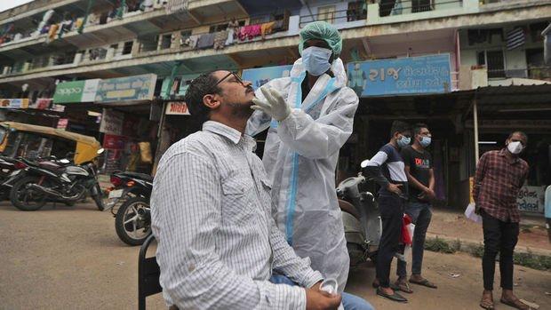 Hindistan günlük Kovid-19 vaka sayısında dünya rekoru kırdı