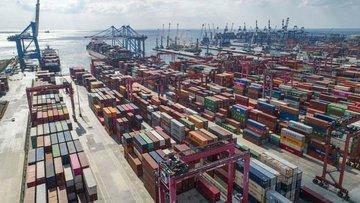 Nisan'da dış ticaret açığı %32 azaldı
