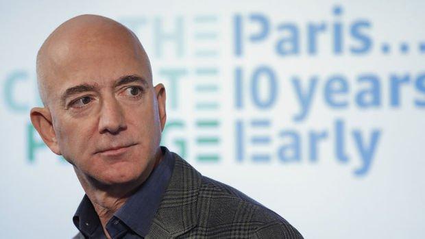 Dünyanın en zengin adamı kendi şirketinin hisselerini satıyor