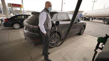 Boru hattına siber saldırı sonrası ABD'de benzine 'hücum'