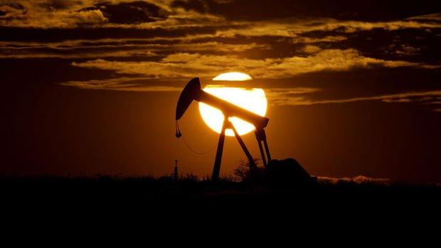 UEA: Hindistan'da azalan talebe rağmen petrol bolluğu azaldı