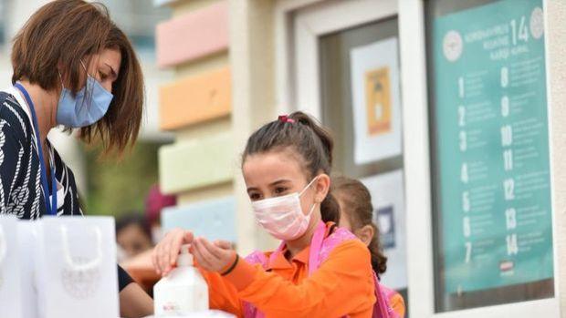 MEB: 499 bin öğretmen ve okul çalışanına aşı randevusu verildi