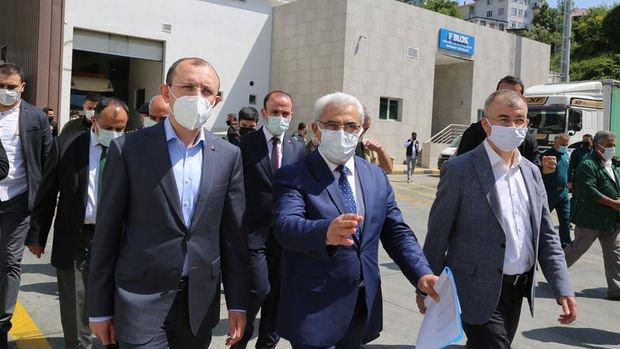 Ticaret Bakanı Mehmet Muş, Sarp Sınır Kapısı'nda incelemelerde bulundu