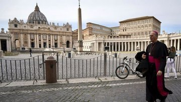 İtalya'da gece sokağa çıkma yasağı aşamalı olarak kaldırı...