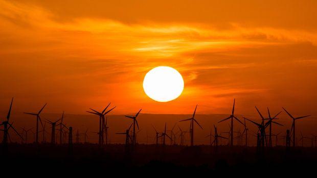 IEA: Sıfır emisyon hedefi için petrol yatırımları durmalı
