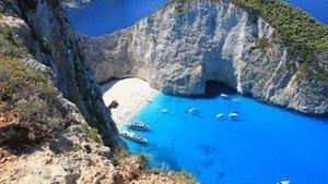 Akdeniz ülkeleri turizm için hangi salgın önlemlerini alıyor?