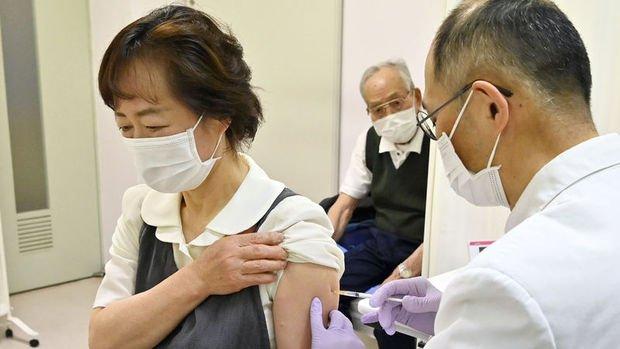 Japonya, Moderna ve AstraZeneca'nın Kovid-19 aşılarını onayladı