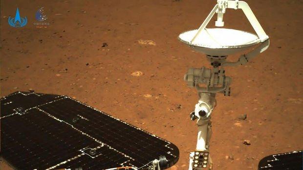Çin, Mars'a ilk ayak izini bıraktı
