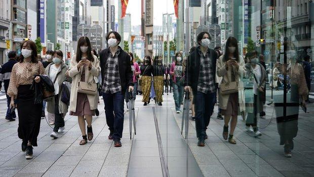 Japonya'da salgına karşı hanelere nakit yardım planı
