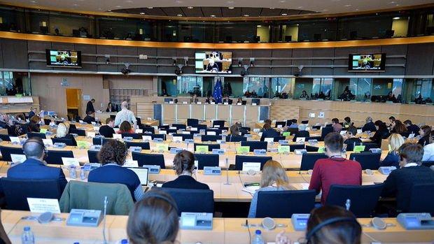 Avrupa Parlamentosu Komitesi aşı sertifikasını onayladı