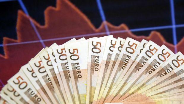 Hazine'den 1,4 milyar euroluk borçlanma