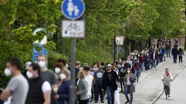 Almanya virüs risk seviyesini düşürdü