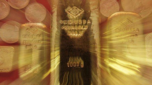 Altın Fed varlık alımı yorumlarına tutundu