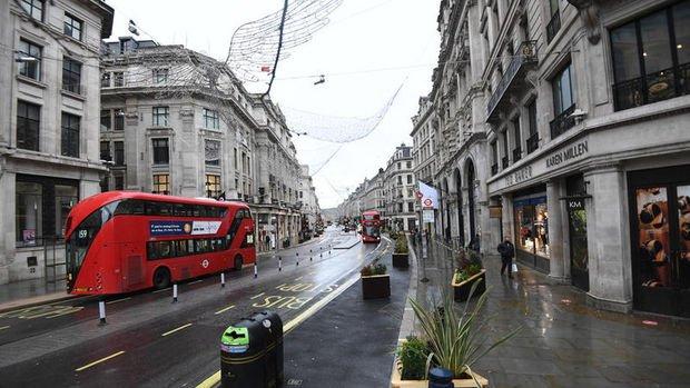 İngiltere artan vakalar nedeniyle uluslararası seyahatte temkinli kalacak