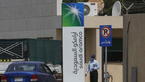 Suudilerden Asyalı müşterilerine tahminlerin üzerinde petrol zammı