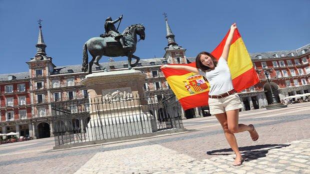 İspanya önlemleri gevşetti, turizm sezonunu açtı