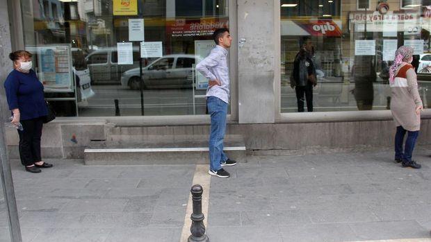 Nisan'da işsizlik yüzde 13,9; atıl işgücü yüzde 27,4
