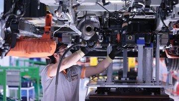 Tam kapanma ayında otomotiv üretimi hız kesmedi