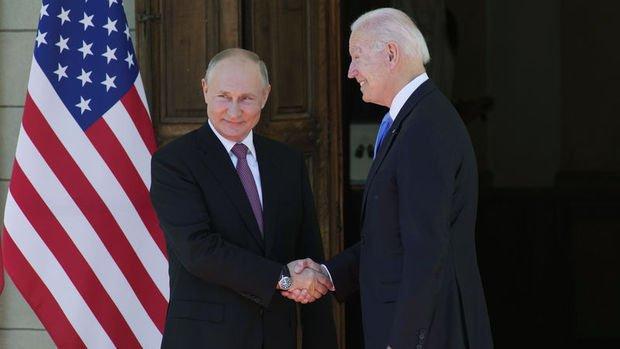 Putin: Siber güvenlikte Biden'la istişarelerin başlaması konusunda anlaştık